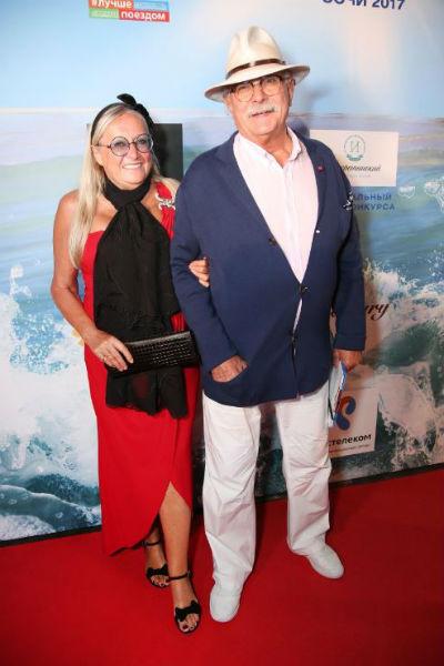 Никита и Татьяна Михалковы женаты 45 лет. У пары две дочери Анна, Надежда и сын Артем.