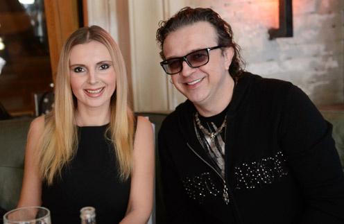 Рома Жуков с женой Еленой на презентации проекта Александра Реввы