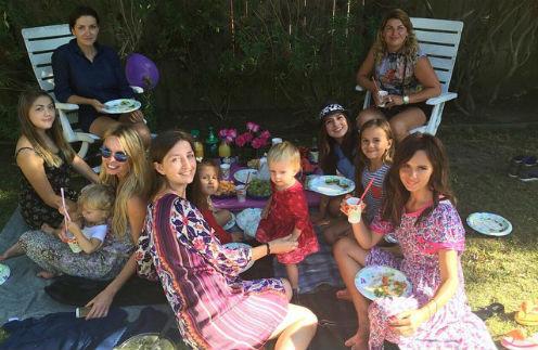 Саша Зверева с гостями