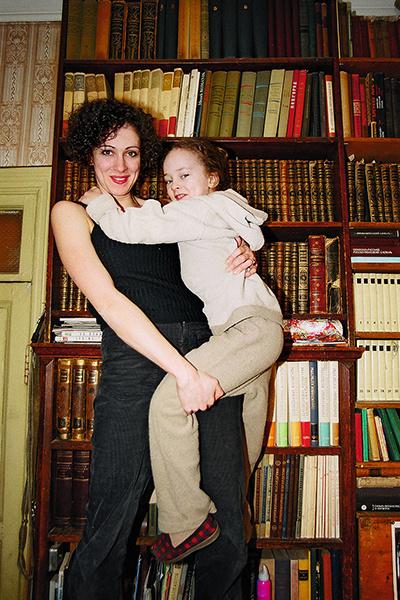«Когда говорят, что мама меня проталкивала, становится обидно — не за себя, а за нее, она очень честный человек», — признается Тарасова
