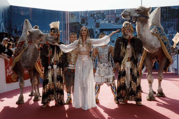 Ольга устроила настоящее шоу на красной ковровой дорожке