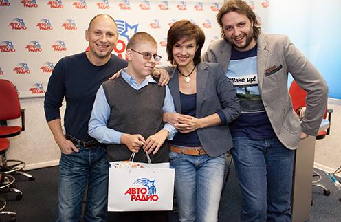 Андрей в гостях у «Мурзилок» (слева направо): c Брагиным, Гордеевой и Красновым