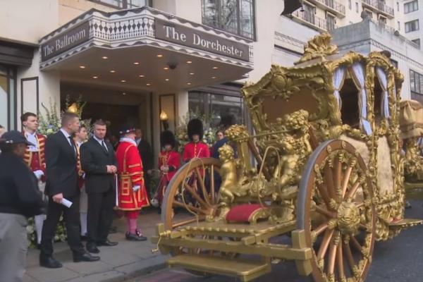 Гуцериевы празднуют в одном из лучших отелей Лондона