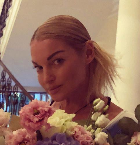 Анастасия Волочкова похвасталась кольцом за 1,5 миллиона долларов