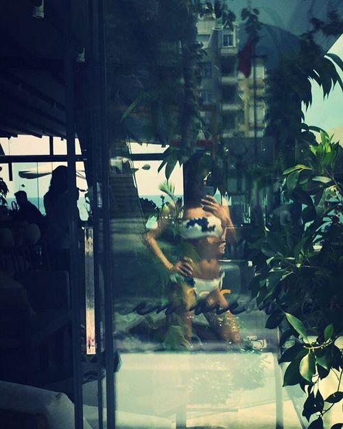Екатерина Климова делает селфи в бикини