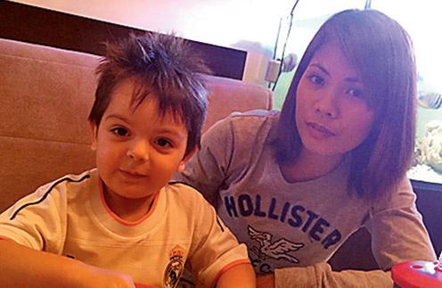 Когда сыну Саше  исполнилось  10 месяцев,  Анастасия  нашла ему няню- филипп инку