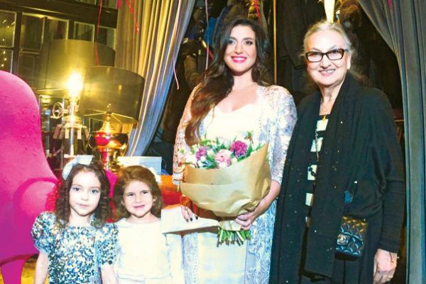 Мари Киркорова и Жасмин с дочерью поздравляют именинницу