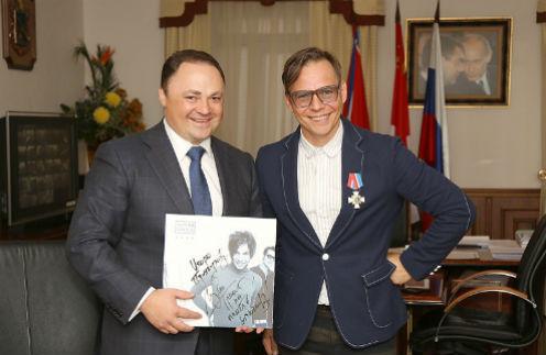 Глава Владивостока Игорь Пушкарев и Илья Лагутенко