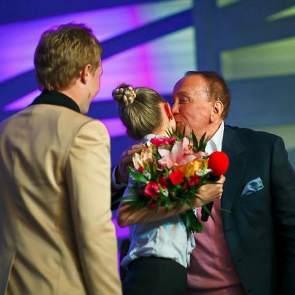 Одним из первых пару поспешил поздравить Александр Васильевич Масляков