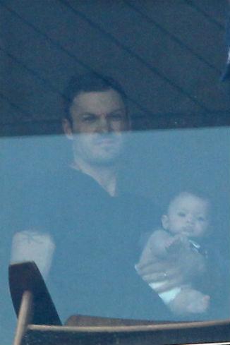 Брайн Остин Грин с сыном