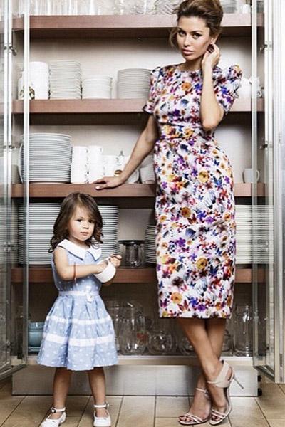 Малышка участвовала вместе с мамой в фотосессиях