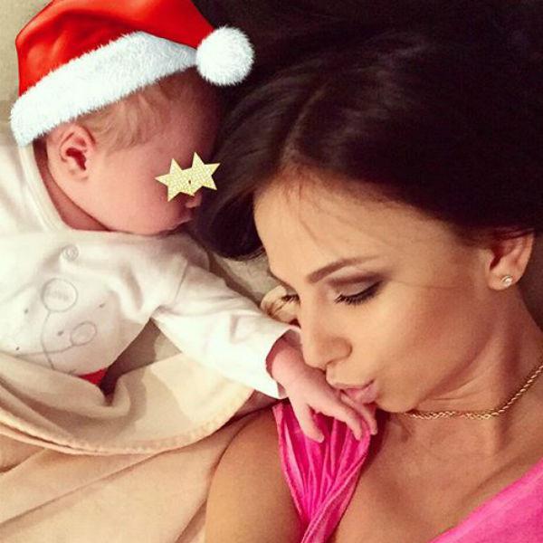 Хоккеист Александр Радулов и гимнастка Дарья Дмитриева стали родителями в ноябре прошлого года. Пара отложила праздник, чтобы сын Макар немного подрос