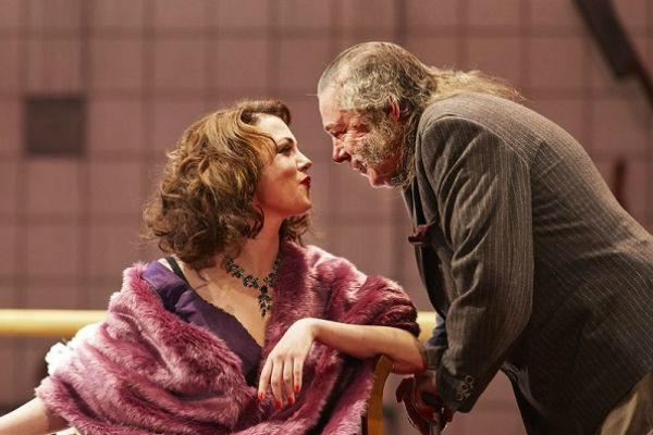 В спектакле «Не становись чужим» актеру досталась сложная и противоречивая роль