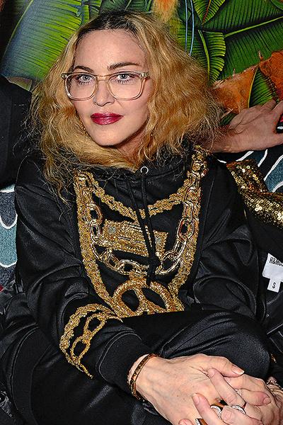 Мадонна поддерживает минимальный контакт с братьями и сестрами