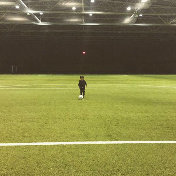 Сын Стоцкой Саша на футбольном поле