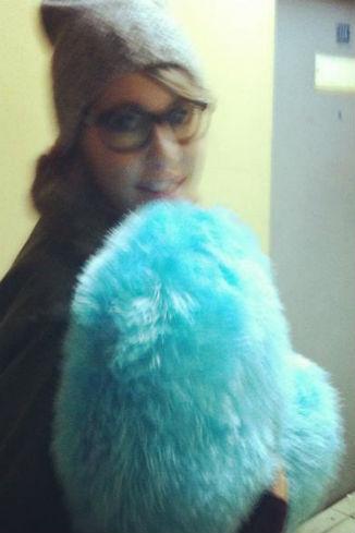 «Дознаватель подарил на прощанье Собчак свое плюшевое голубое сердце», - подписал фото Яшин