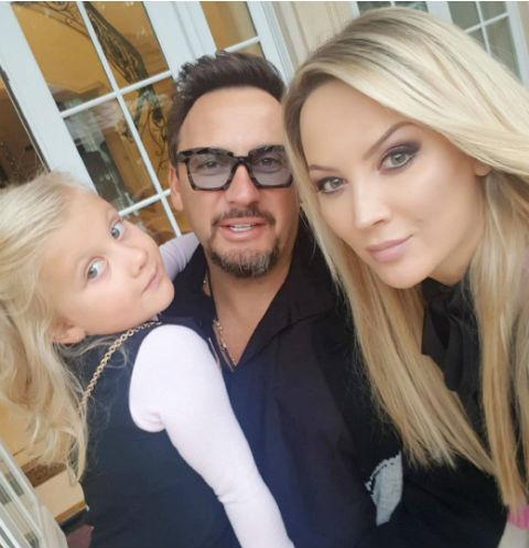 Стас Михайлов с женой и дочерью