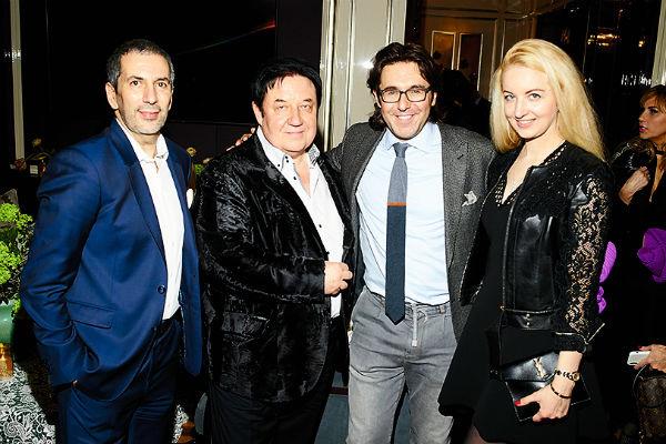 Алексей Миндель и Александр Митрошенков с женой Валентиной
