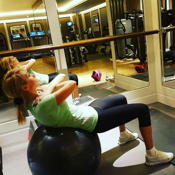 Теперь Валерия проводит время в спортзале