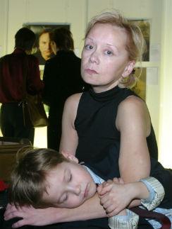 Фотосессии с приемным сыном следовали одна за другой, пока он не пошел в школу...