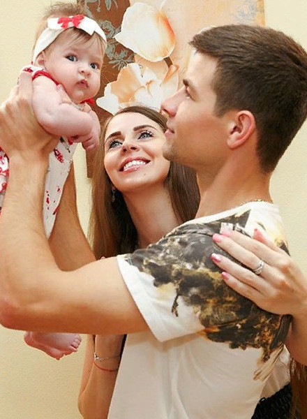 Семья Дмитренко вернулась на шоу около месяца назад