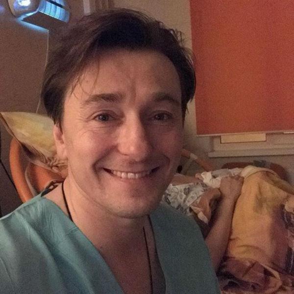 Актер опубликовал фото прямо из палаты