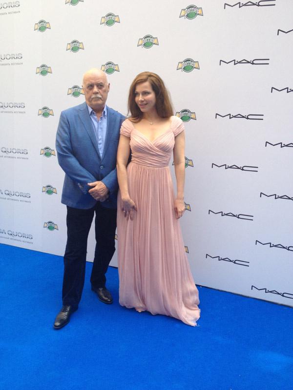 Перед объективами камер позировали Станислав Говорухин и Екатерина Гусева