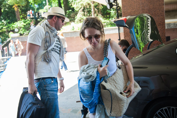 Супруг Ксении взвалил весь багаж на свои плечи
