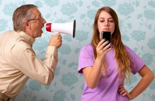 Поле боя: почему звезды конфликтуют со своими детьми