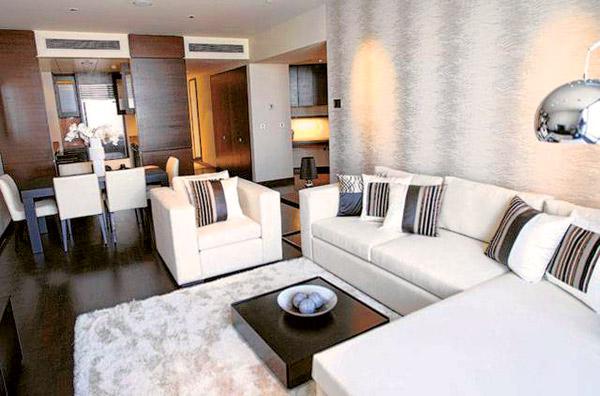 Бывшие владельцы обставили квартиру, но не жили в ней