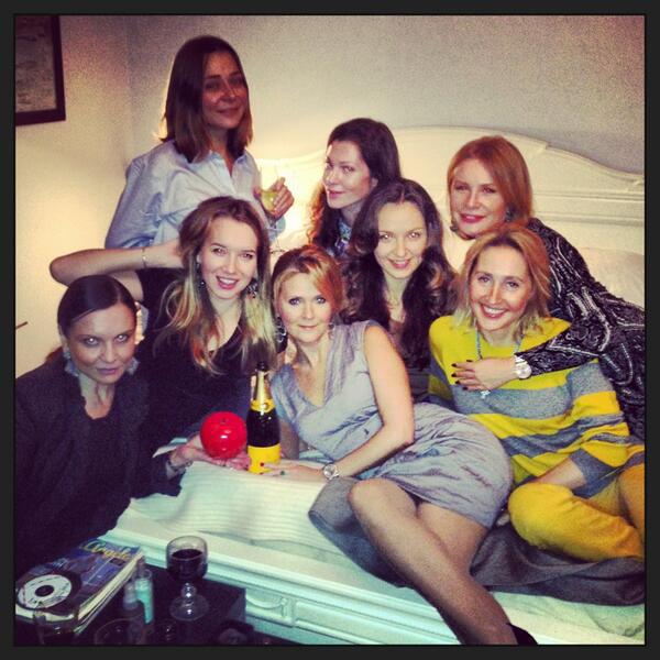 Наталья Шкулева с подругами