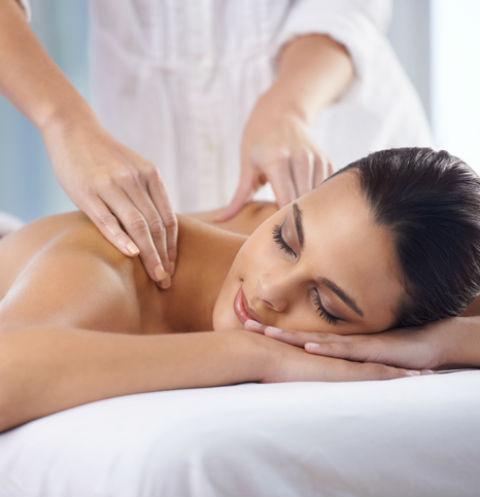 Благодаря специалистам с помощью массажа можно привести в тонус весь организм
