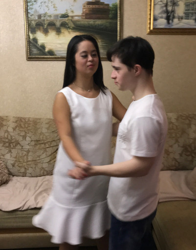 Дочь Ирины Хакамады наслаждается идиллией с бойфрендом