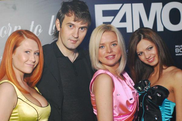 Продюсер Сергей Иванов с участницами группы