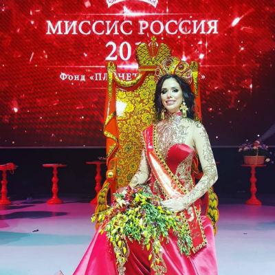 Победительницей конкурса «Миссис Российская Федерация 2018» стала жительница Твери Анна Телегина