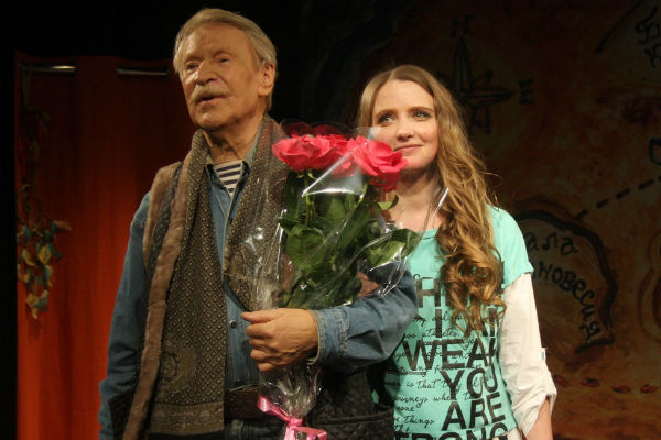 Актерскую игру молодой жены артиста высоко оценили зрители