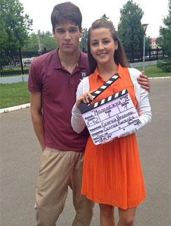 Актеры «Молодежки» поделились фото со съемок   StarHit.ru: http://www.starhit.ru/novosti/akteryi-molodejki-podelilis-foto-so-syemok-110637/