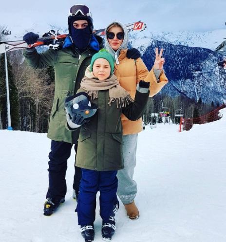 Певица Гагарина с мужем Дмитрием Исхаковым и сыном Андреем