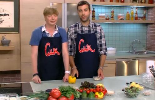 Андрей научил Ивана готовить свое коронное блюдо
