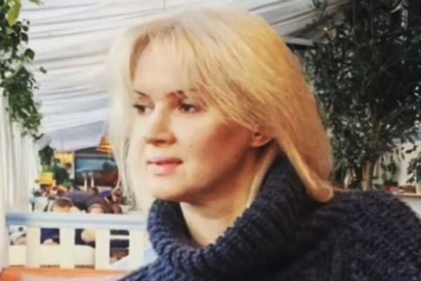 Елена - бывшая супруга Серова