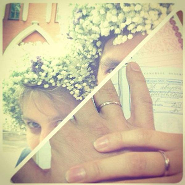 Пара поженилась 31 августа. И это фото сразу же появилось в официальной группе Даши