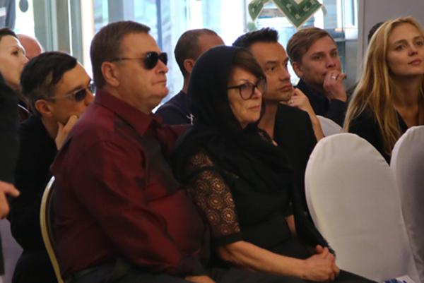 Родители Жанны Фриске в минуты прощания с дочерью и не подозревали, что их ждут судебные тяжбы и разбирательства