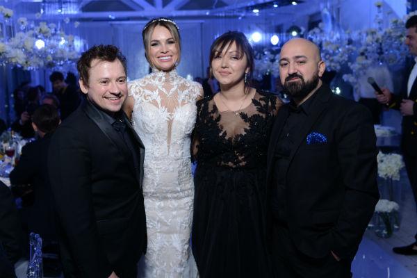 Андрей Гайдулян с женой Дианой, а также Арам Арчер поздравили супругов
