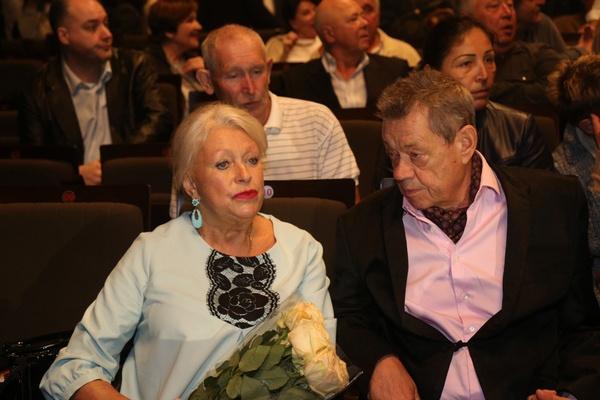 Людмила Поргина старается во всем поддерживать мужа