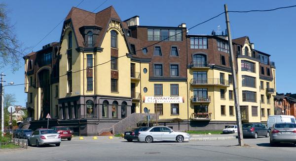 Квартира Аршавина в элитном загородном комплексе «Никитская усадьба» занимает четвертый этаж и мансарду