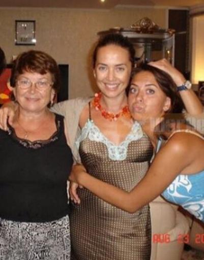 Жанна с мамой и сестрой