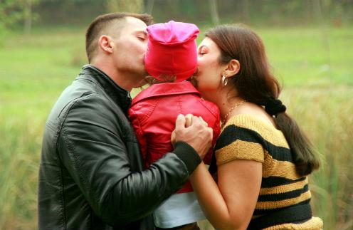 Путь к сердцу: как избранникам звезд удалось подружиться с их детьми