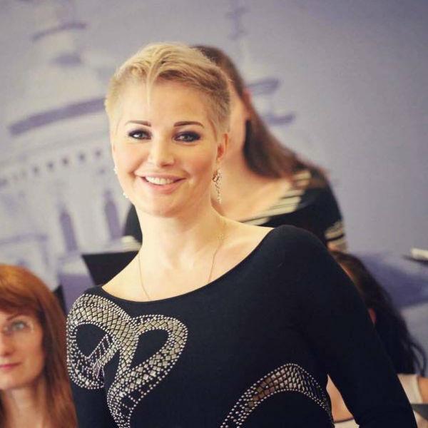 Мария Максакова пришла на встречу с министром в прозрачном платье