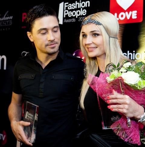 Не отправляйте никаких денег: Билан и Гагарина стали жертвами мошенников