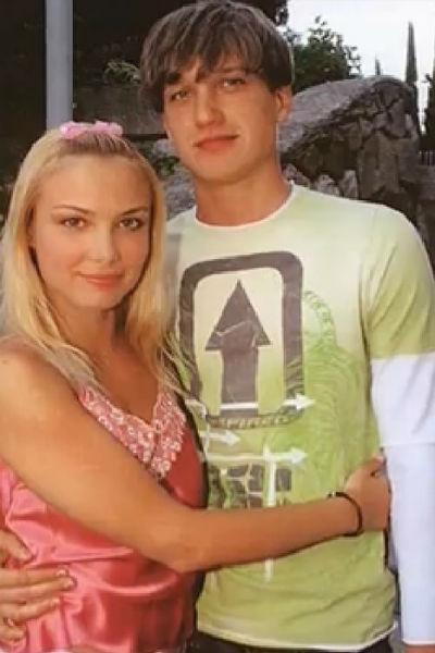 Актеры встречались три года